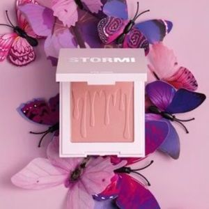 """🦋New Kylie Cosmetics """"Flutter In Love"""" Blush🦋"""